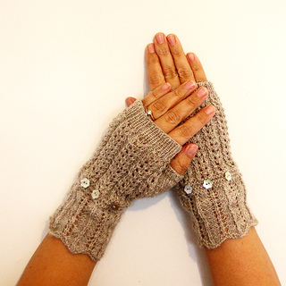 Friendship_fingerless_mitts_v2_small2