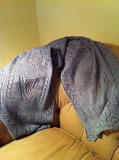 Octavia_s_lace_shawl_small2
