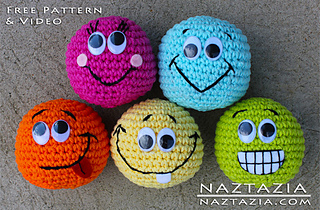 Amigurumi-smiley-face-crochet-toys_small2