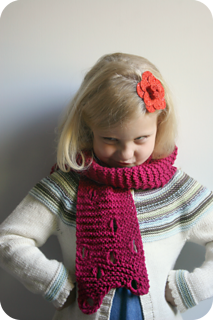 Swiss_cheese_scarf_pattern_2_small2