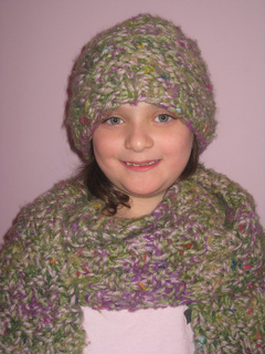 Mimi_in_my_hat_small2