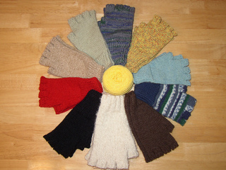 Fingerless_gloves_on_two_needles_small2