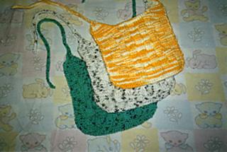 Basket_weave_bib050_small2