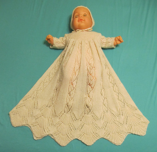 Dayflower_christening_gown_may_2012_009_small2