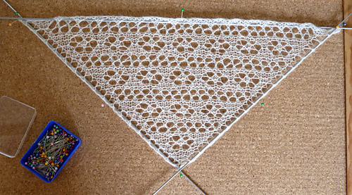 Fsw_mini_shawl_c_medium