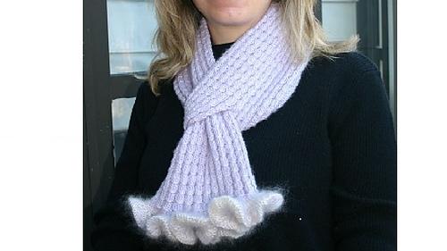 Ruffled_cable_scarf_medium