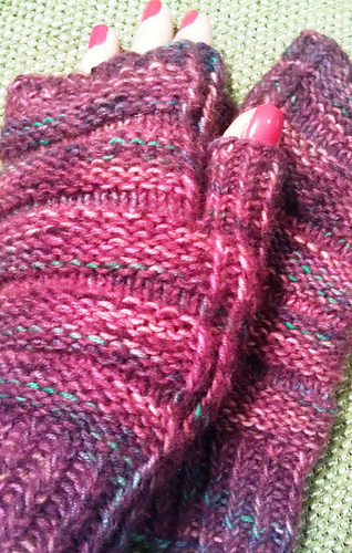 Twisted_rib_mitts_medium