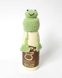 Frog_hat_legs_uncrossed_small2