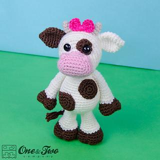 Doris_the_cow_amigurumi_crochet_pattern_01_small2