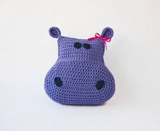 Hippo_pillow_01_small2
