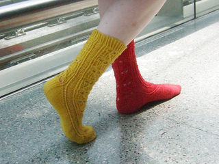 Red_yellow_walking_close_small2
