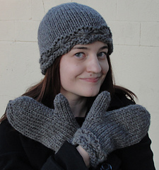 Daisy_cloche_and_mittens_coy_small