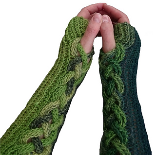 Green_fingerless_mittens_small2