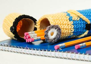 Crochet_minion_pencil_case__19_of_20__small2
