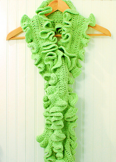 Ruffle_scarf_12-3-8_small2