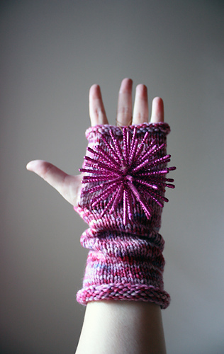 Berry_mitts_2_medium