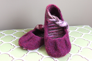 Plum_pleated_flats_3_small2