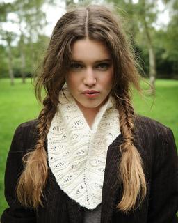 Fantasia_cowl_alpaca_knitting_pattern_small2