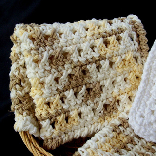 Double_crochet_cross_stitch_washcloth_002_small2