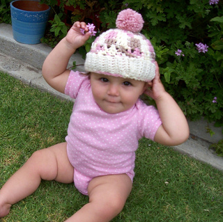 Cupcake_hat_taylor_004_resized_smalled_small2
