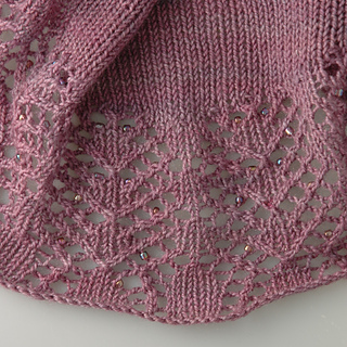 Woolworks_shawlette_edge_flat_small2