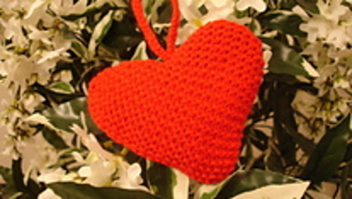 Red_knitted_heart_med_thumb_1__medium