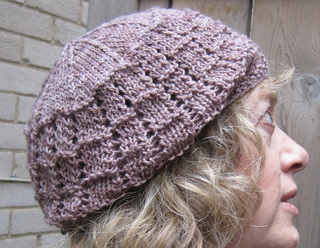 Lace_beret_side_small2