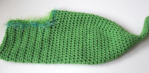 Green_peapod_cocoon__3__medium