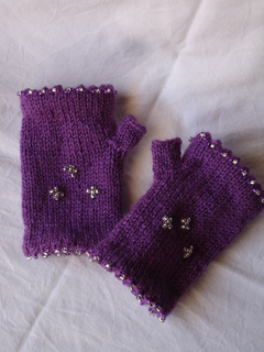 Little_miss_sparkly_mitts_small2