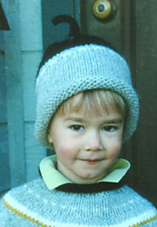 Trystan_hat_close_small2