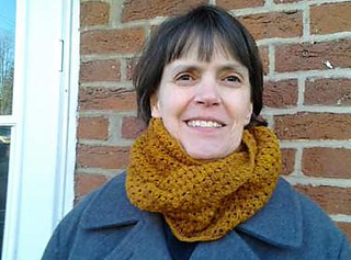 Marilee_s_infinity_cowl_small2
