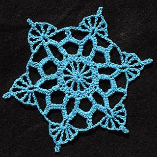 Aqua_blue_snowflake_small2