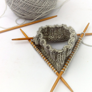 Whit_s_knits_colorblock_hand_warmers_8_small2