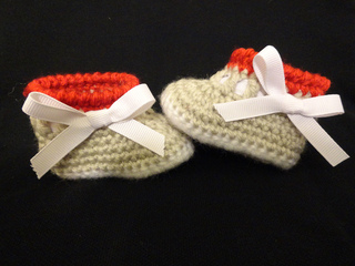 Sock_monkey_booties_small2