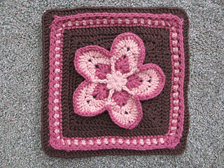 Strawberry_blossom_block_small2