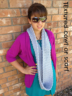 Textured_infinity_cowl_ad_1_small2