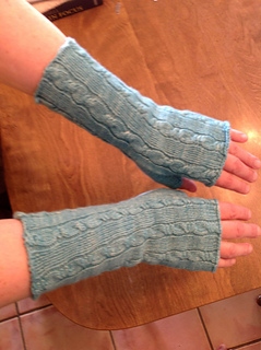 Kates_fingerless_mitts_09152013_small2