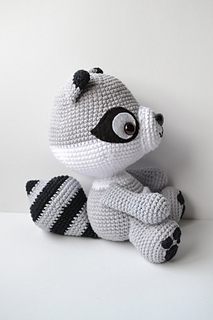 Amigurumi To Go Raccoon : Ravelry: Es un mundo amigurumi - patterns