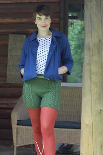 Irish-cable-bomb-knitting-pattern-katie-canavan-holla-knits-knit-picks-gloss-dk_small2