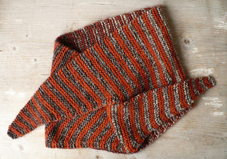 Knitted_baktus_scarf_small2
