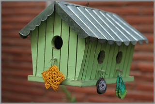 Craftygirl-birdhouse_small2