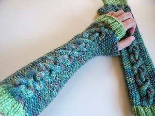 Over_under_fingerless_mitts__2__small2