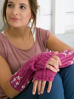 Blossom_20fingerless_20gloves_small2