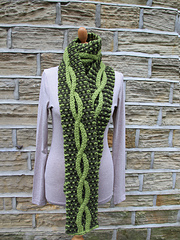 Two-Colour Cable Scarf PDF