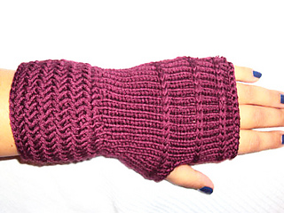Herrinbone_fingerless_mittens_2_small2
