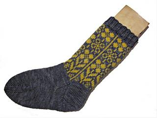Daffodilly_socks3_small2