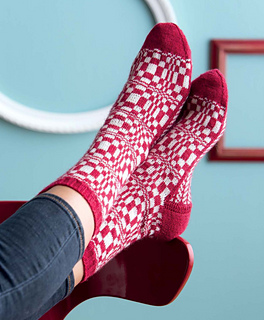 Op-art_socks_-_fibonacci_beauty_shot_small2