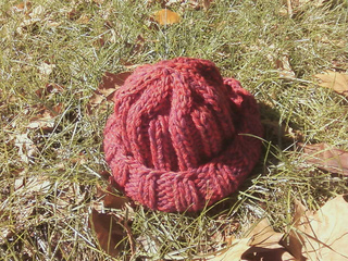 Red_rocks_hat_closeup_small2