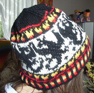 Dragonfight_beanie2_small2