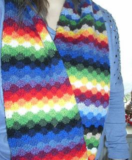 Infinity_rainbow_scarf3_small2